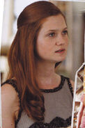 Ginny-in-Harry-Potter-and-the-Deathly-Hallows-Part-I-ginevra-ginny-weasley-16131631-301-454