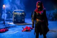 Elseworlds Arrowverse DC Comics CW Batwoman Three