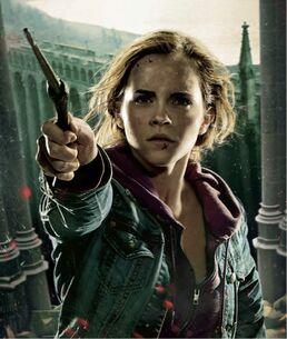HP7-2 ACTION Hermione INTL