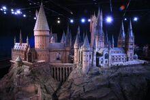 1280px-Hogwarts model studio tour