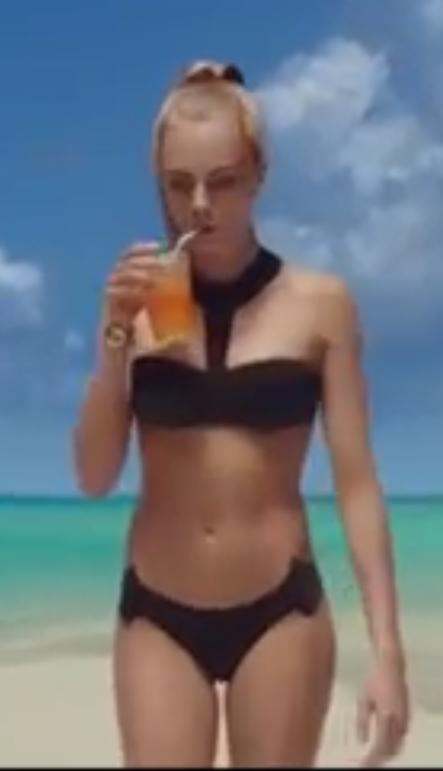 cara delevingne valerian bikini