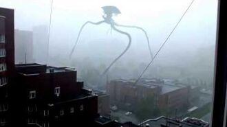 War of the worlds׃ Terrifying tripod alien 'invades' Russian city VIDEO