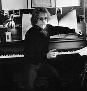 Warren-zevon-piano