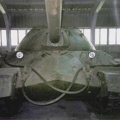 Тяжелый танк ИС-7 (модель 1948 года) в экспозиции Музея бронетанкового вооружения и техники в Кубинке.