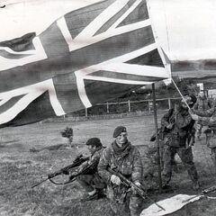 Солдаты Британского Парашютного полка на Фолклендах.