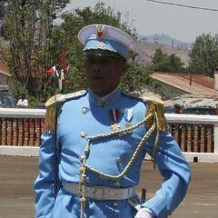 Начальник академии в чине полковника. Звание обозначено на погонах на околыше фуражки.