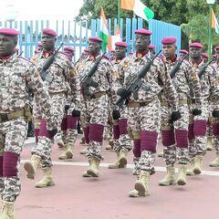 Республиканская гвардия Кот-д Ивуара на параде в честь Дня независимости.