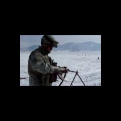 Американский солдат осваивает РПК-74.