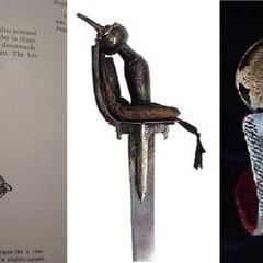 Индийская рукоятка гулабгхати (крайняя слева) в сравнении с двумя рукоятками хулу ме апэт.