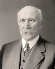Philippe Pétain (en civil, autour de 1930)