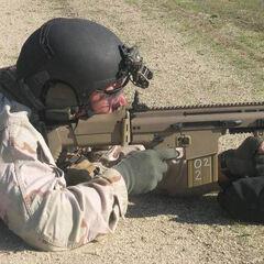 Боец спецназа США со SCAR-H на учениях.