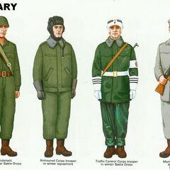 Офицер в летней полевой форме; Танкист в зимней полевой форме; Военный регулировщик в зимней полевой форме; <a href=