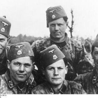 Боснийские мусульмане из 13-й дивизии Ханджар.