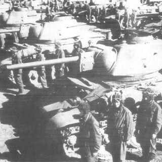 Танки танкового батальона из состава бригады в Новохоперске.