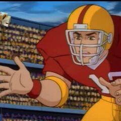 Артур играет в американский футбол.