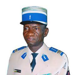 Подполковник жандармерии Центральноафриканской Республики в выходной форме.
