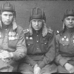 Красные танкисты.