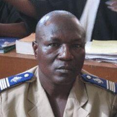 Майор интендантской службы армии Буркина Фасо. На погонах изображен акантовый лист, характерный для <a class=