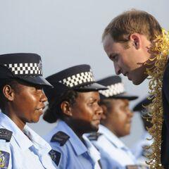 Принц Уильям и женщины из RSIPF.