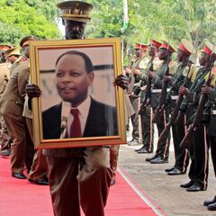 Почётный караул Бурунди, 16 мая 2016 г.