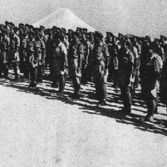 Построение солдат батальона в учебном лагере.