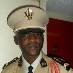 Сержант армии ЦАР, эмблема на фуражке.