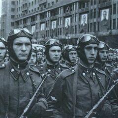 Советские десантники с ППС. 1951 год.