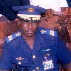 Майор ВВС в повседневной синей униформе. Над правым карманом