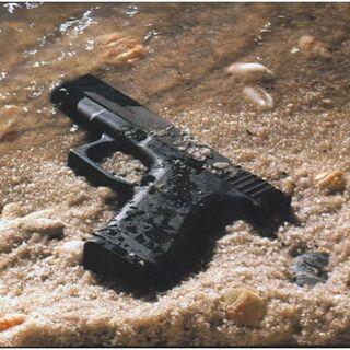 Пистолет малочувствителен к загрязнению песком.