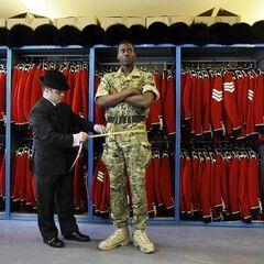 Ирландская гвардия выступала в качестве охраны на свадьбе Кейт и Уильяма. Специально для церемонии гвардейцам сшили новую форму.