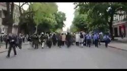 Начало демонстрации пророссийских граждан, 2 мая 2014 г