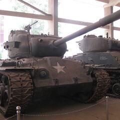 Трофейный американский M46 в военном музее в Китае.