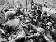 Vietnam-soldiers-crater
