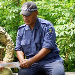 Офицер RSIPF, сержант Хэдли Мунамуа.