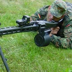 Солдат Бундесвера с MG3.