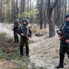 Личный состав Луцкого полка Национальной гвардии выполняет служебные задачи в Маневичском районе Волынской области, 29 сентября 2015 г.