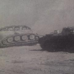 Перевёрнутый танк - возможно является прототипом 59-16. Обратите внимание на четырёхкатковую ходовую часть. Танк был перевёрнут во время ядерных испытаний в Китае.