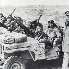 Дэвид Стирлинг с бойцами SAS.