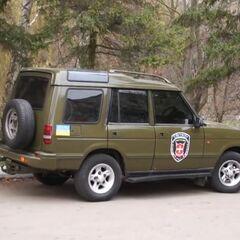 Автомобиль с эмблемой роты
