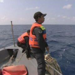 Задерживают экипаж судна, которое незаконно ловило рыбу.