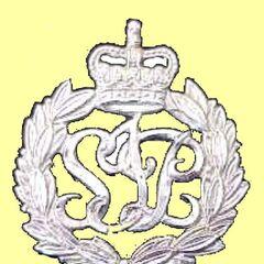 Металлический значок на фуражке полицейского Соломоновых Островов.