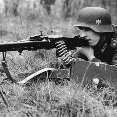 Пулемётчик войск СС.