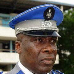 Офицер жандармерии с эмблемой в виде кисти руки с мечом.