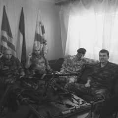 Штаб международного миротворческого батальона имени Джохара Дудаева. Крайний справа — <a class=