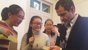 Дэвид Хейман на приёме в Пекине