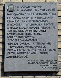 Tablica pamiątkowa Warszawska Szkoła Pielęgniarstwa ul. Koszykowa 78