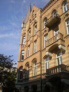 Marszałkowska (budynek nr 72, widok od Skorupki)