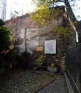 Złota (nr 62, fragment muru getta)