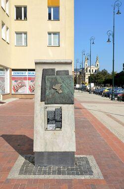 Pomnik granic getta Chłodna róg Żelaznej