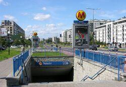 Wejście do stacji metra Natolin